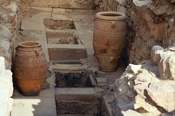Pithoi of Knossos