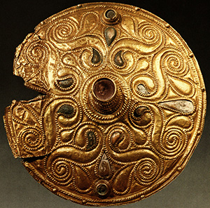 Celtic_Gold-plated_Disc,_Auvers-sur-Oise,_Val-d'Oise
