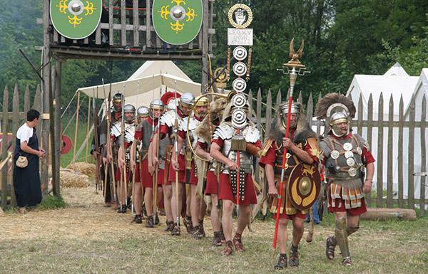 roman-legionary-re-enactors